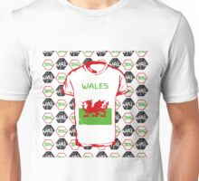 A soccer ball pattern and Wales flag. Unisex T-Shirt