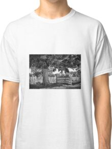 Old tree Classic T-Shirt