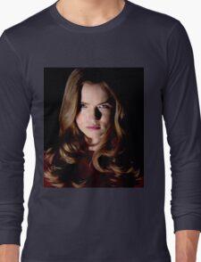 EMMA DUVAL FROM MTV TV SERIES SCREAM  Long Sleeve T-Shirt