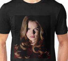 EMMA DUVAL FROM MTV TV SERIES SCREAM  Unisex T-Shirt