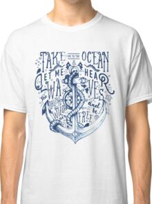 OCEAN IS CALLING Classic T-Shirt