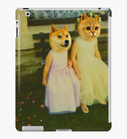 Polaroid doge and cat meme iPad Case/Skin