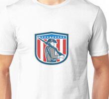 American Patriot Minuteman Holding Musket Rifle Shield Retro Unisex T-Shirt