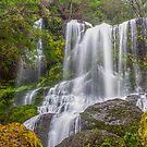 The falls!  by bluetaipan