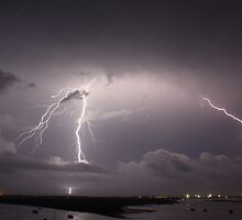 Lightning  by photonetwork