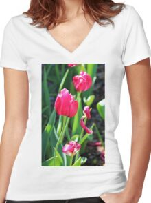 Tulip Field Women's Fitted V-Neck T-Shirt
