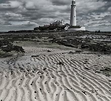 St Mary's Lighthouse by Chris Tait