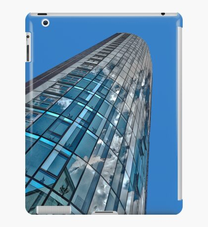 Point to the sky iPad Case/Skin