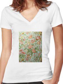 Vintage Georgian Wallpaper Women's Fitted V-Neck T-Shirt