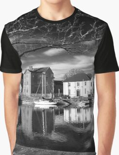 Claddagh, Water Reflections, B+W Version Graphic T-Shirt