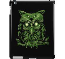 creepy owl iPad Case/Skin
