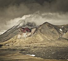 Red Crater & Mt Ngauruhoe by Shaun Jeffers Photography