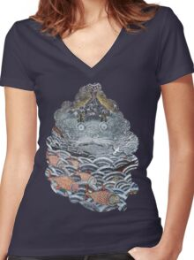Gold fish Women's Fitted V-Neck T-Shirt