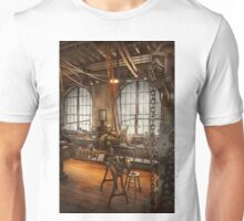 Machinist - The crowded workshop Unisex T-Shirt