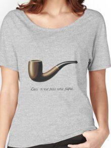 Ceci n'est pas une pipe Women's Relaxed Fit T-Shirt
