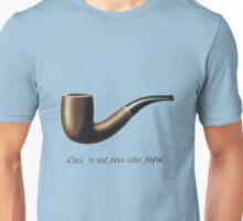 Ceci n'est pas une pipe Unisex T-Shirt