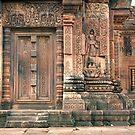 Banteay Srei by Nicolas Noyes