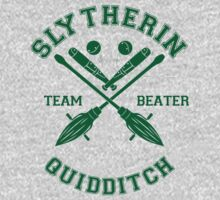 Quidditch - Slytherin - Team Beater by Divum