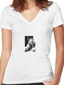 Marilyn Monroe In Pink Smoke Women's Fitted V-Neck T-Shirt