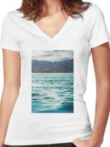 Tumblr Island Women's Fitted V-Neck T-Shirt