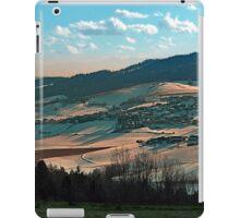 Winter wonderland valley scenery | landscape photography iPad Case/Skin
