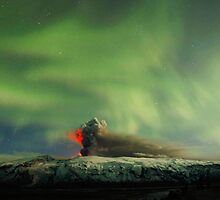 Northern Lights Eruption by jclumbo