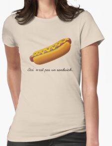 Ceci n'est pas un sandwich. Womens Fitted T-Shirt