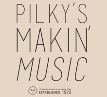 Pilky's Makin' Music blk by Circusbrendan