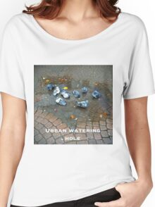 Urban watering hole Women's Relaxed Fit T-Shirt