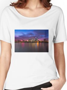Canary Wharf 2 Women's Relaxed Fit T-Shirt