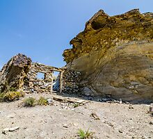 Abandoned movie location in the Tabernas desert. by ZuissellArt