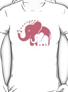 Cute animals family. Mom Elephant and baby Elephant. T-Shirt