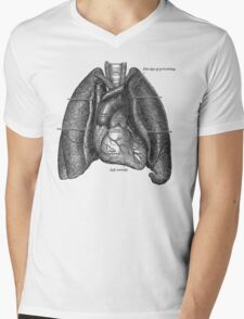 anatomical drawing of lungs and heart Mens V-Neck T-Shirt