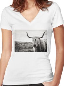 Highland Cow Women's Fitted V-Neck T-Shirt