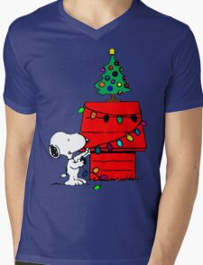 Snoopy Christmas Tree Mens V-Neck T-Shirt