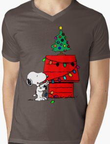 Snoopy Christmas Tree Mens V-Neck T-Shirt