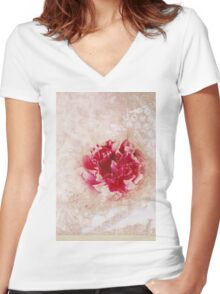 Vintage Peony Women's Fitted V-Neck T-Shirt