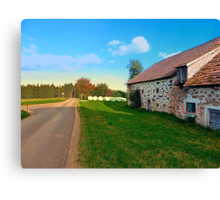 Traditional farmhouse scenery | landscape photography Canvas Print