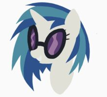 Vinyl scratch by legendoflink