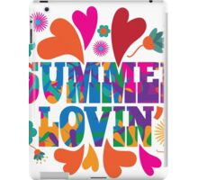 Sixties style mod pop art psychedelic colorful Summer Lovin text design iPad Case/Skin