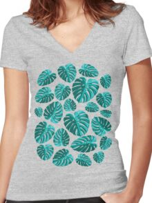 Tropical Leaf Monstera Plant Pattern Women's Fitted V-Neck T-Shirt