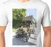 B-Type London General Omnibus Company B2737- Battle Bus Unisex T-Shirt