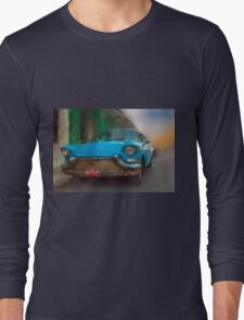Old Blue Car. Cuba Long Sleeve T-Shirt