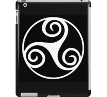 Celtic Triskele in Circle iPad Case/Skin