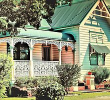 Australian Cottage Collection: Lucy by wallarooimages