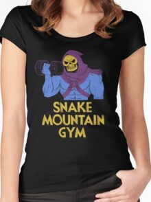 snake mountain gym Women's Fitted Scoop T-Shirt