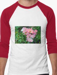 Beautiful small light pink flowers in the garden. Men's Baseball ¾ T-Shirt