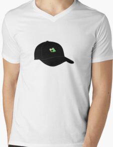 LEBRON JAMES KERMIT SIPPING TEA CAP Mens V-Neck T-Shirt
