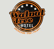 Walnut Tree Hotel - Retro Design Unisex T-Shirt