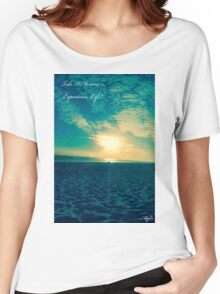 BEACH AND SUNSET Women's Relaxed Fit T-Shirt